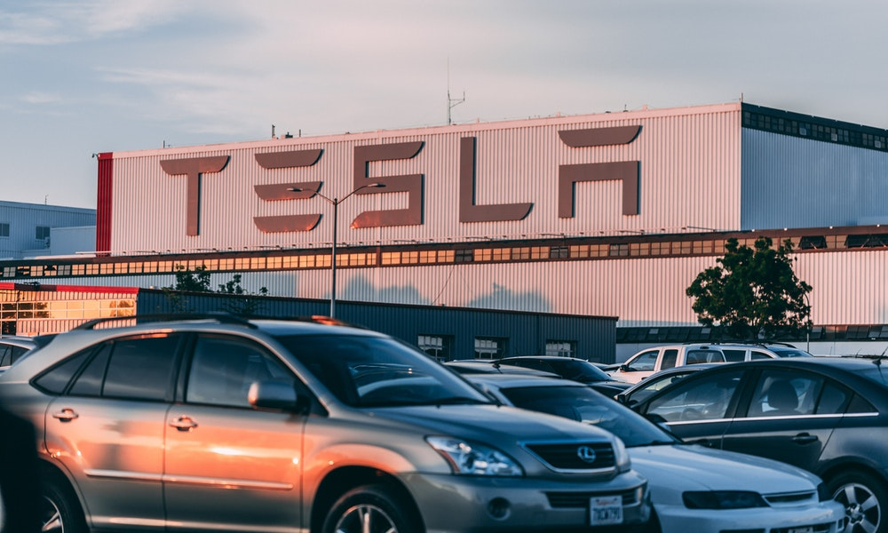 Tesla Agrees to Buy LG Batteries for EV Made in China