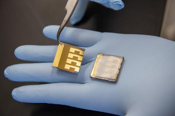 Novel Calcium Titanium Ore Batteries